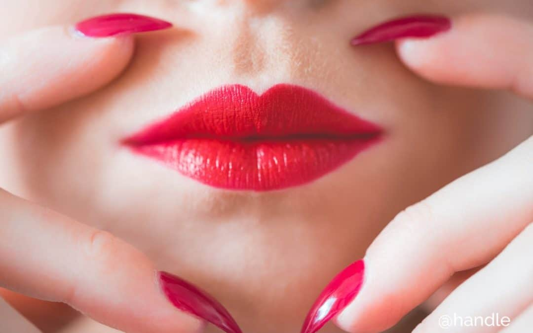 Kiss-and-make-up-day-2018-Saturday-25th-August-Special-Offer